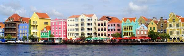 Curacao-Handelskade-Willemstad